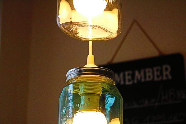 Lampe-aus-Einmachgläsern-DIY-4