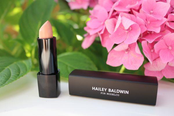 Hailey Baldwin Lippenstift für ModelCo